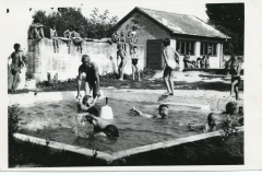 Foto_2_dsz__nemeth_sandor_karcsai_uti_strand_1960-as-evek